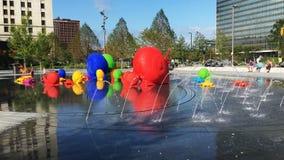 animales coloridos de 4K UltraHD en centro de ciudad de Cleveland, Ohio almacen de metraje de vídeo