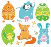 Animales lindos de Pascua con los huevos. Fotos de archivo libres de regalías