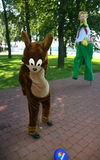 Animateur d'acteur chez la souris drôle Jerry de bande dessinée de poupée de costume ` Tom et studio Metro-Goldwyn-Mayer de ` de  Image stock