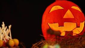 Animation heureuse de jour de Halloween avec le potiron lentern banque de vidéos