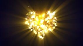 Animation loopable rougeoyante 4k (4096x2304) de forme de coeur d'or banque de vidéos