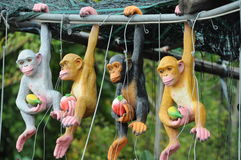 Animaux bourrés d'un singe photographie stock libre de droits