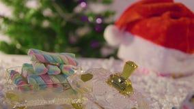 Animazione del Natale con abete e l'ornamento video d archivio