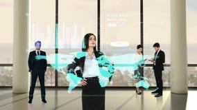 Animazione della gente di affari che esamina l'interfaccia di tecnologia archivi video