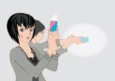 Animemädchen, die mit Scheckkarten schießen Stockbild
