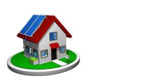 animering 3D av ett litet hus med ett system för sol- energi som installeras, med 4 solpaneler på det röda taket på en vit skiva lager videofilmer