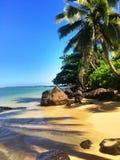 Anini-Strand auf der Insel von Kauai Hawaii lizenzfreie stockfotos