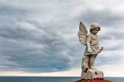 Anioł pod burz chmurami Fotografia Royalty Free