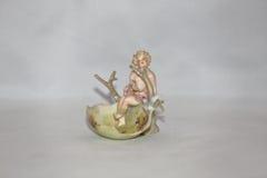 Anioł w Wielkanocnej jajecznej skorupie Zdjęcia Stock