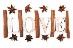 L'anis de cannelle et d'étoile sont dans l'amour Photos libres de droits