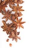 Anis de estrela inteiro isolado no fundo branco Imagens de Stock