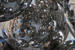 Anish Kapoor-Stahlbälle Lizenzfreies Stockfoto