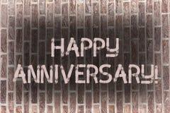 Aniversário feliz do texto da escrita da palavra Conceito do negócio para a arte especial anual da parede de tijolo da comemoraçã ilustração stock