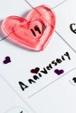 Aniversário marcado em um calendário fotos de stock