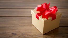 aniversario feliz Chri de la tarjeta de felicitación del día de fiesta de la Navidad de la caja de regalo Fotografía de archivo