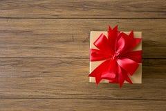 aniversario feliz Chri de la tarjeta de felicitación del día de fiesta de la Navidad de la caja de regalo Fotos de archivo