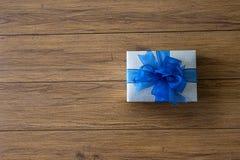 aniversario feliz Chri de la tarjeta de felicitación del día de fiesta de la Navidad de la caja de regalo Foto de archivo