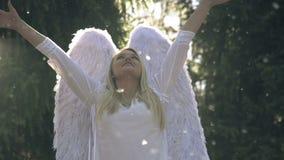 Anjo branco video estoque