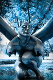 Anjo do inverno em um fundo azul foto de stock royalty free