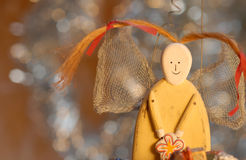 Anjo engraçado do cartão de Natal com pigtails Imagem de Stock Royalty Free
