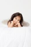 Anjo engraçado pequeno do cupido Fotos de Stock Royalty Free