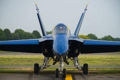 Anjos F-18 azuis fotos de stock royalty free