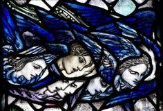 Anjos que olham para baixo do céu Imagens de Stock Royalty Free