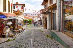 Ankara, czerwiec 16 2019/: Turystyczny sąsiedztwo dla robić zakupy wokoło Ankara kasztelu fotografia royalty free