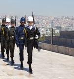 ANKARA, DIE TÜRKEI - 5. MAI 2015: Foto des Wachwechsels der Ehre am Mausoleum von Ataturk lizenzfreies stockfoto