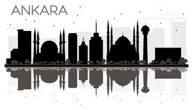 Ankara miasta linii horyzontu czarny i biały sylwetka z odbiciami Zdjęcie Stock