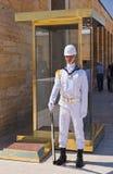 ANKARA, TURQUIE - AVGUST 30 : Garde dans le mausolée d'Ataturk chez Avgust Image stock