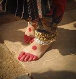 Ankelklockor av en Kathak dansare royaltyfri bild