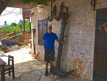 Anker in de straten van de stad Kalekoy Stock Foto