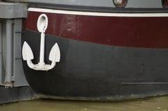 Anker des Bootes auf einem Fluss Stockfoto