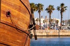 Anker einer Replik des Nao de Santa Maria-Schiffes angekoppelt stockfotos