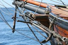 Anker en voordeel van schip Royalty-vrije Stock Foto's