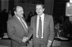 ANKER JORGENSEN- OCH FÖR OLUF-PALME _SOCIAL DEMOKRATER Arkivbild
