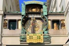 Ankeruhr (de klok van Anker) astronomische klok in Wenen Royalty-vrije Stock Foto's