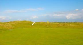 Anknyter golfbanan Fotografering för Bildbyråer