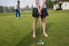 Anknyter Mästarklass i golf arkivfoton
