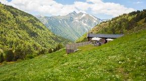 Ankomma till den Borda de Sorteny fristaden Andorra royaltyfri foto