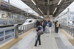 Ankommande Kyoto för Shikansen drev station Japan Arkivbilder