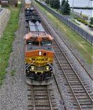 Ankommender Güterzug lizenzfreies stockfoto