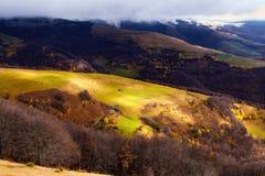 Ankomst av vintern i bergen Royaltyfri Fotografi