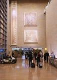 Ankomster Hall för terminal 3 på Ben Gurion International Airport arkivbilder