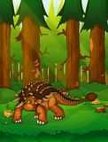 Ankylosaurus στο υπόβαθρο ενός δάσους Στοκ φωτογραφία με δικαίωμα ελεύθερης χρήσης
