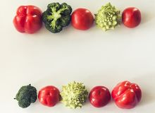 Anlage basierte rohe Nahrungsmittelsaisongemüse Hintergrund, die Nahrung des strengen Vegetariers, die Bestandteile, Draufsicht k stockfotos