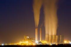 Anlage des elektrischen Stroms in Kozani Griechenland Langsame Belichtungszeit Stockbild