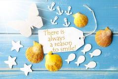 Anledning för Sunny Summer Greeting Card With citationstecken alltid att le Royaltyfri Bild