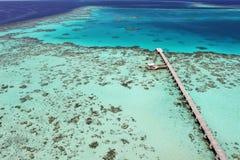 Anlegestelle auf einem Korallenriff Lizenzfreie Stockfotos